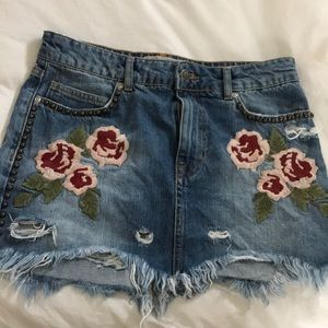 Free People distressed denim skirt with flowers
